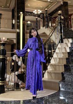 Luna Fashion, Blackpink Fashion, Korean Fashion Dress, Fashion Dresses, Kpop Outfits, Girl Outfits, Suzy, Character Outfits, Elegant Outfit