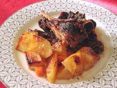 Παϊδάκι προβατίνας με πατάτες στον φούρνο !!! ~ ΜΑΓΕΙΡΙΚΗ ΚΑΙ ΣΥΝΤΑΓΕΣ 2 Pot Roast, Ethnic Recipes, Food, Carne Asada, Roast Beef, Essen, Meals, Yemek, Eten