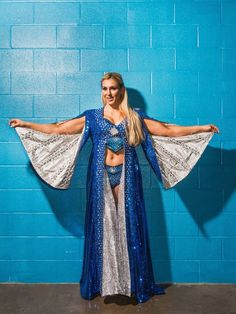 Bow To The Queen: Pics/Gifs of the lovely Charlotte Flair. Wrestling Superstars, Wrestling Divas, Women's Wrestling, Charlotte Flair Wwe, Nikki And Brie Bella, Wwe Women's Division, Wwe Girls, Ric Flair, Raw Women's Champion