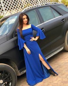 Stylish Sarees, Stylish Dresses, Fashion Dresses, Indian Fashion Trends, Indian Gowns, Beautiful Bollywood Actress, Denim And Lace, Western Dresses, Indian Celebrities