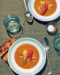 Bewaar recept venkelsoep met rivierkreeft aantal 8 | soep, voorgerecht | weekend | internationaal | Yvette van Boven: 'Chique soep! Met zelfgemaakte venkelzaadrouille erbij is het een van de lekkerste soepen. Ik méén het!'Liever vega? Maak dan venkel-linzensoep met gegrilde geitenkaasbroodjes. voorbereiding2 uur 40 minutenvenkelzaadrouille40 minutentotale tijd2 uur 40 minuten ingrediënten1 kg rivierkreeft25 g boter2 … Seafood Recipes, Soup Recipes, Pasta, Gazpacho, Fish And Seafood, Thai Red Curry, Food Porn, Dinner, Ethnic Recipes