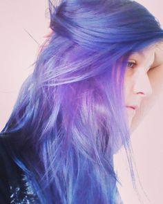 Haarfarbe aufgefrischt ♡♡ #overtonecolor #purplehair #purple #nomakeup #mermaidhair #veganbeautyproducts #noanimaltesting #crueltyfree