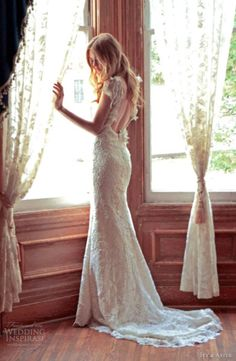 lace dress // wedding dress. Little huggy but pretty back!!