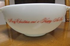 Vintage RARE PYREX WHITE MERRY CHRISTMAS HAPPY NEW YEAR Cinderella 2 1/2 QT BOWL