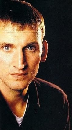 Christopher Eccleston, the ninth Doctor Who, is shortening many. He shouldn't be. I learned to like him a lot.
