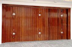 Portão de Madeira EP-309 pode ser revistido com madeira ipê ou jatoba no desenho vertical, diagonal, espinha de peixe ou losango (assoalho, deck ou lambril).