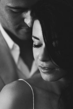 gorgeous black and white wedding photo of bride and groom by Erik Clausen, San Francisco, California | via junebugweddings.com