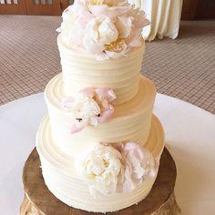 @alisonlewis wedding cake #weddings