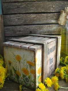 MARINA NIKULINA Diy Mod Podge, Dandelion Wine, Paint Effects, Colored Paper, Small Boxes, Painting On Wood, Decorative Boxes, Decoupage Ideas, Trunks