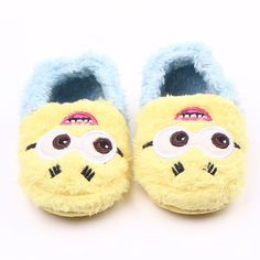 Shoes are very cute and can Keep your baby feets soft and warm. Material: Plush Cotton. Item Includes:1 Pair Baby Shoes Only (Shoes Without Box) Size suit for baby 0-18 months old (11-13cm).