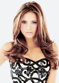 Nina Dobrev---The Vampire Diaries Nina Dobrev, Vampire Diaries, Divas, Beautiful People, Beautiful Women, Hot Brunette, Girl Crushes, Fall Hair, Sensual