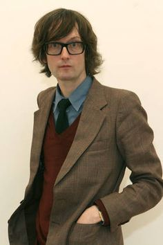 One of rock's great frontmen, Jarvis Cocker of Pulp. Chico Indie, Jarvis Cocker, Librarian Chic, Common People, Pulp, Idole, Britpop, Dark Photography, Music Icon