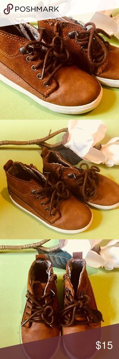 ⚜️Zara Baby High Top Shoes EU 23/US 7⚜️ Zara Baby Size 7 US/23 EU High Top Basketball Shoes⚜️Side Zipper and Lace up Front⚜️Good Condition with some wear on front toe area(Please review pics) Zara Baby Shoes Baby & Walker