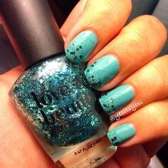 Blue glitter gradient nails