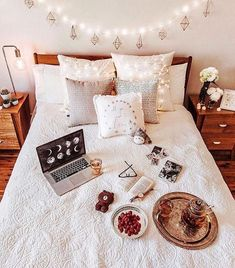 Tea Time - Architecture and Home Decor - Bedroom - Bathroom - Kitchen And Living Room Interior Design Decorating Ideas - Dream Rooms, Dream Bedroom, Home Bedroom, Girls Bedroom, Bedroom Decor, Bedrooms, Indie Bedroom, Bedroom Rugs, Bedroom Ideas