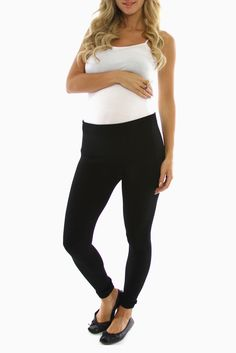 These black fleece #maternity leggings are a must-have this season! They'll not only keep you super comfy & cozy, but they're thick enough to pair with your chic outfit as well!