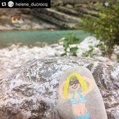 #Illustration par @oeilbleu #TeamCitron #draw #river #canicule #fresh #summer #stone #pencil #drome #drawing #365sketches #illustration #doodle #doodleoftheday @ladrometourisme