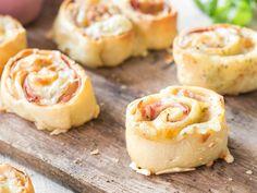 Füllung rein, glücklich sein - Pizzabrötchen mit Käse und Schinken