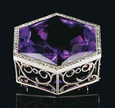 BY FABERGÉ, WITH THE WORKMASTER'S MARK OF AUGUST HOLMSTRÖM, ST PETERSBURG, CIRCA 1900, SCRATCHED INVENTORY NUMBER 92290