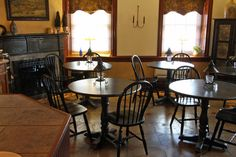Lancaster County, Bed And Breakfast, Luxury, Modern, Table, Room, Furniture, Home Decor, Bedroom