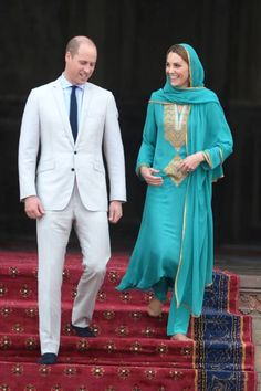 LAHORE, PAKISTAN - OCTOBER 17: Prince William, Duke of Cambridge and Catherine, Duchess of Cambridge visit the Badshahi Mosque within the Walled City during day four of their royal tour of Pakistan on October 17, 2019 in Lahore, Pakistan. (Photo by Chris Jackson/Getty Images)