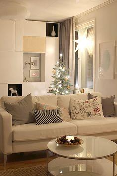 Tervetuloa kylään BoKlok-kotiin! White Christmas, Oversized Mirror, Ikea, Living Room, Furniture, Home Decor, Decoration Home, Ikea Co, Room Decor