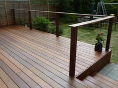 A great place to relax after a long day 2019 A great place to relax after a long day The post A great place to relax after a long day 2019 appeared first on Deck ideas. Wire Deck Railing, Garden Railings, Deck Railing Design, Deck Design, Patio Balustrade Ideas, Decking Handrail, Wire Balustrade, Trex Decking, Hardwood Decking