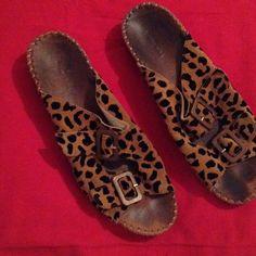 9 boutique Leopard  size 39 9 BOUTIQUE LEOPARD SIZE 39 9 Boutique  Shoes Mules & Clogs