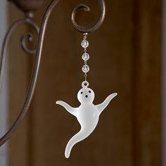 Whether you're hosting your own Halloween party or just love to decorate for every holiday, get in the spirit with these fun magnets. Hang on any chandelier for a spooky good time! Tiny, but surprisingly strong, magnets secure crystal accents to any metal surface.Halloween Magnetic Crystals features:Hand assembled beadsSet of 3 matching crystalsBudget-friendly way to decorate