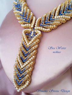 """Oggi vi mostro la mia collana """"Sea Waves"""", abbinata al bracciale.  Realizzata con 500 bicono Swarovski e più di 200 perle Swarovski, oltre c..."""