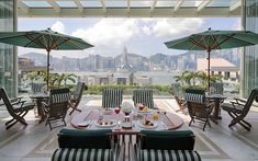 The best Hong Kong hotel bars with views Peninsula Hong Kong, Peninsula Hotel, Hotel Suites, Hotel Spa, Top Hotels, Best Hotels, Luxury Hotels, Central Business District, Rooftop Bar