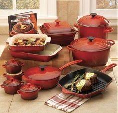 love love LOVE Red Le Creuset