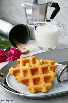 Bułki mleczne Gluten Free Recipes, Healthy Recipes, Healthy Food, Sweet Recipes, Waffles, Food Porn, Food And Drink, Cooking, Breakfast