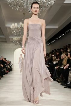 Cultivating an elegant mind - Ralph Lauren Beautiful Gowns, Beautiful Outfits, Couture Fashion, Runway Fashion, Womens Fashion, Evening Dresses, Formal Dresses, Wedding Dresses, Look Fashion