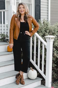 Six Wide Leg Cropped Pants Outfits Cropped Denim Jacket Outfit, Long Sweater Vest, Cropped Wide Leg Jeans, Cardigan Outfits, Pants Outfit, Moto Jacket, Casual Outfits, Jeans Outfit Winter, Winter Fashion