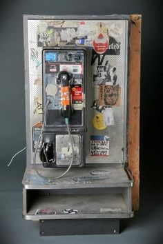 If you found yourself inside New York punk Mecca CBGB and needed to make a phone call, this pay phone was the only option. #cbgb #hardrock