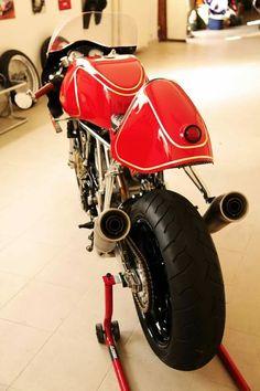 Ducati ss1000 by Ardita