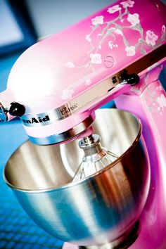 I just want one of these custom painted Kitchen Aid Mixers