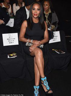 Prime seat; Vivica A. Fox had a front row seat to the fashion show... Fox Actress, Vivica Fox, Black Goddess, Naomi Campbell, Beautiful Celebrities, Black Is Beautiful, New York Fashion, Front Row, Business Women