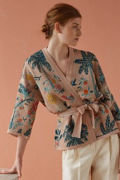 A Definitive Guide to Minimalist Fashion Fashion Outfits, Womens Fashion, Fashion Trends, Teen Girl Fashion, Batik Fashion, Diy Vetement, Kimono Dress, Minimalist Fashion, Diy Clothes
