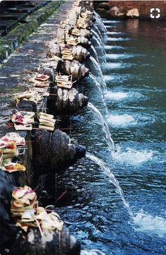 bali temple fountain