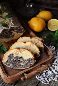 Illéskrisz Konyhája: MÁKOS-CITROMOS KALÁCS Hungarian Recipes, Hungarian Food, Poppy Cake, Eat Pray Love, Muffin, Ale, Cooking Recipes, Yummy Food, Sweets