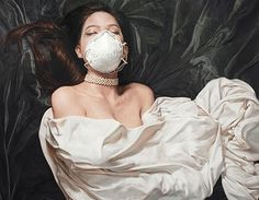 Amazing oil on canvas photo-realistic paintings from South Korean artist Lee Guk Hyun. Korean Illustration, Illustration Art, Illustrations, Realistic Paintings, Original Art For Sale, Korean Artist, Photo Canvas, Art Fair, Erotic Art