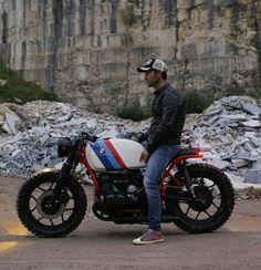 40 bmw cafe racer photography ideas - We Otomotive Info Bmw Scrambler, Bobber Bmw, Motos Bmw, Bike Bmw, Cafe Bike, Moto Bike, Cool Motorcycles, Bmw Cafe Racer, Custom Cafe Racer