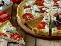 Recipe: Quiche with Goat Cheese Vegetarian Recipes Easy, Vegan Breakfast Recipes, Cooking Recipes, Quiches, Food Humor, International Recipes, Party Snacks, Love Food, Delish