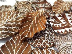Workspace Wednesday – Autumn Leaf Art Illustrations on Leaves Close Up – Workspace Wednesday – Autumn Leaf Art at www.elistonbutton… – Eliston Button – That Crafty Kid – Art, Design, Craft & Adventure. Leaf Crafts, Fall Crafts, Plate Crafts, Art For Kids, Crafts For Kids, Arts And Crafts, Dry Leaf Art, Autumn Leaves Craft, Fall Leaves