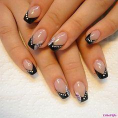 summer french nails Black And White Classy Nails, Cute Nails, My Nails, French Manicure Nails, French Tip Nails, French Tip Nail Designs, Nail Art Designs, Short Nails Art, Pretty Nail Art