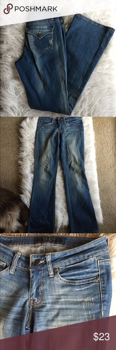 🆕 Jessica Simpson denim Such a cute pair of jeans! Preloved but tons of life left! Cotton and spandex blend. 👺NO TRADES DONT ASK! ✌🏼️Transactions through posh only!  😻 friendly home 💃🏼 if you ask a question about an item, please be ready to purchase (serious buyers only) ❤️Color may vary in person! 💗⭐️Bundles of 5+ LISTINGS are 5️⃣0️⃣% off! ⭐️buyer pays extra shipping if likely to be over 5 lbs 🙋thanks for looking! Jessica Simpson Jeans Flare & Wide Leg