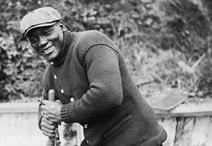 John Arthur Johnson (March 1878 – June nicknamed the Galveston Giant, was an African American boxer who, at the height of the Jim Crow era, became the first African American world heavyweight boxing champion Jack Johnson Boxer, American Boxer, American Art, Heavyweight Boxing, Boxing History, Champions Of The World, African American Culture, Boxing Champions, Mike Tyson