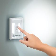 COB Light Switch Cutting edge COB (chip on board) technology. Extreme light intensity. Includes magnetic back, Velcro strips and mounting holes for securing to any surface. On/off switch, 4-AAA batteries included. Shines for 70+ hours!